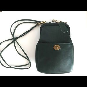 Coach Vintage Bottle Green Kisslock Rare! Cashin
